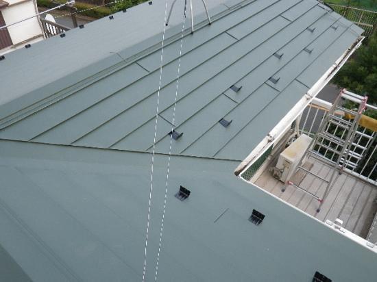 スレート屋根を金属屋根への葺き替え工事例と費用。八王子長房町
